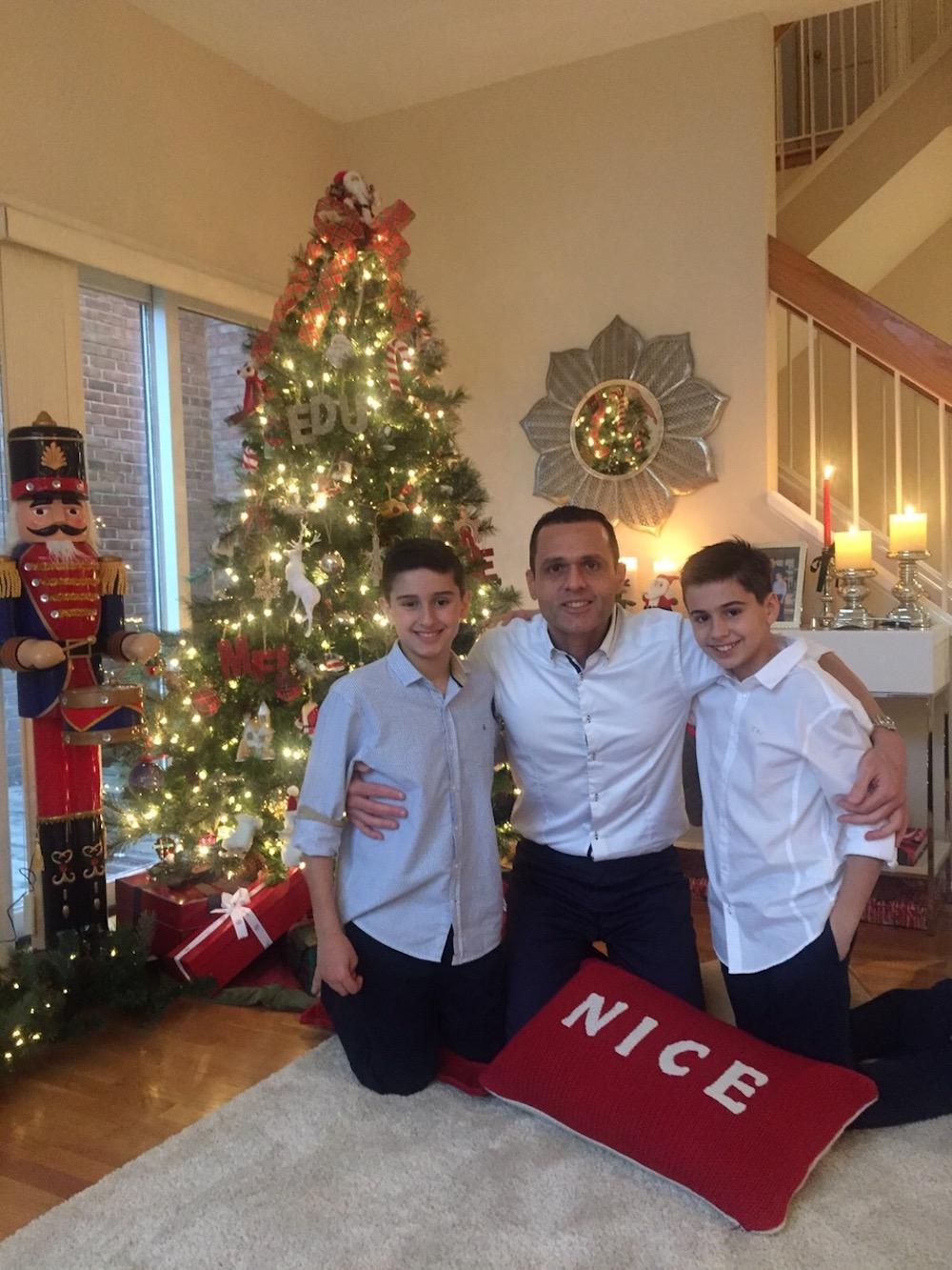 2015 Com Os Filhos Iago E Caique Em Sua Casa Em Washington Dc, Eua, Celebrando O Natal De 2015