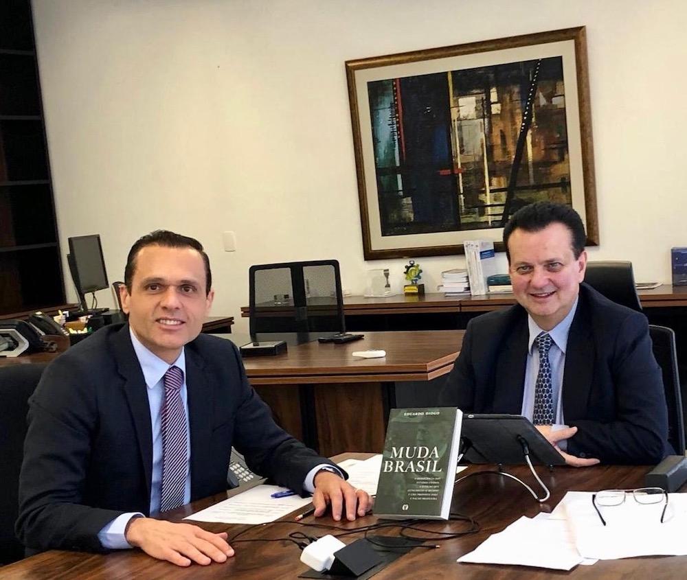 2018 Com O Então Ministro Da Ciência, Tecnologia, Inovação E Comunicação Gilberto Kassab, Em Seu Gabinete Em Brasília Df