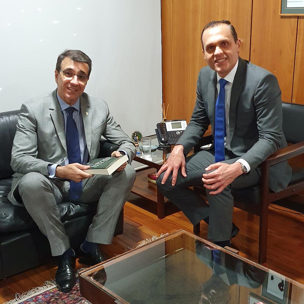 A Com O Embaixador E Ministro Franco França, Chefe Do Cerimonial Da Presidência Da República, Em Seu Gabinete No Palácio Do Planalto 2019