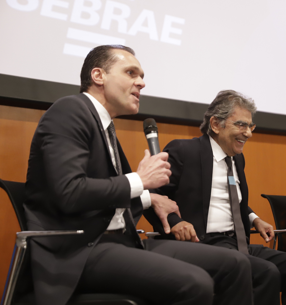 A Com O Ministro Aposentado Do Stf Ayres Britto, Em Evento No Sebrae Nacional Debatendo A Constituição Brasileira