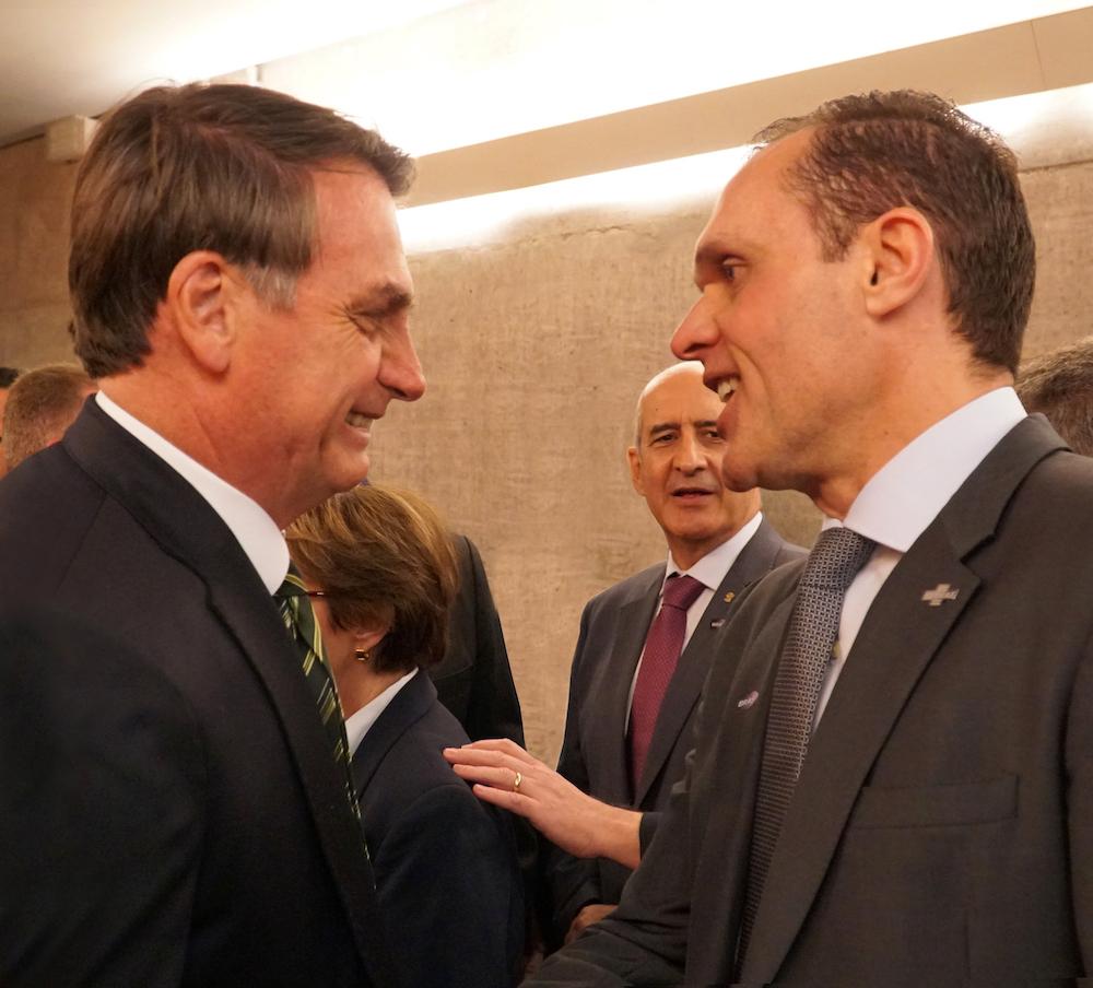 A Com O Presidente Jair Bolsonaro Na Sede Do Sebrae Nacional, No Click Observados Pelo Ministro Chefe Da Secretaria De Governo Da Presidência Da República, Luiz Eduardo Ramos