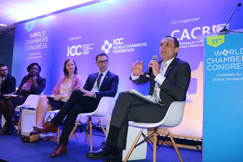 A Palestrando No Congresso Mundial Das Câmaras Comerciais, No Rio De Janeiro