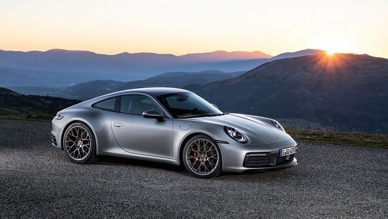 """Novo Porsche 911 Turbo S """"voa"""" com motor biturbo de 650 cv"""