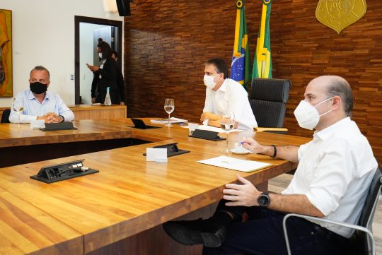 Roberto Cláudio anuncia a retomada das obras de 2.592 unidades habitacionais