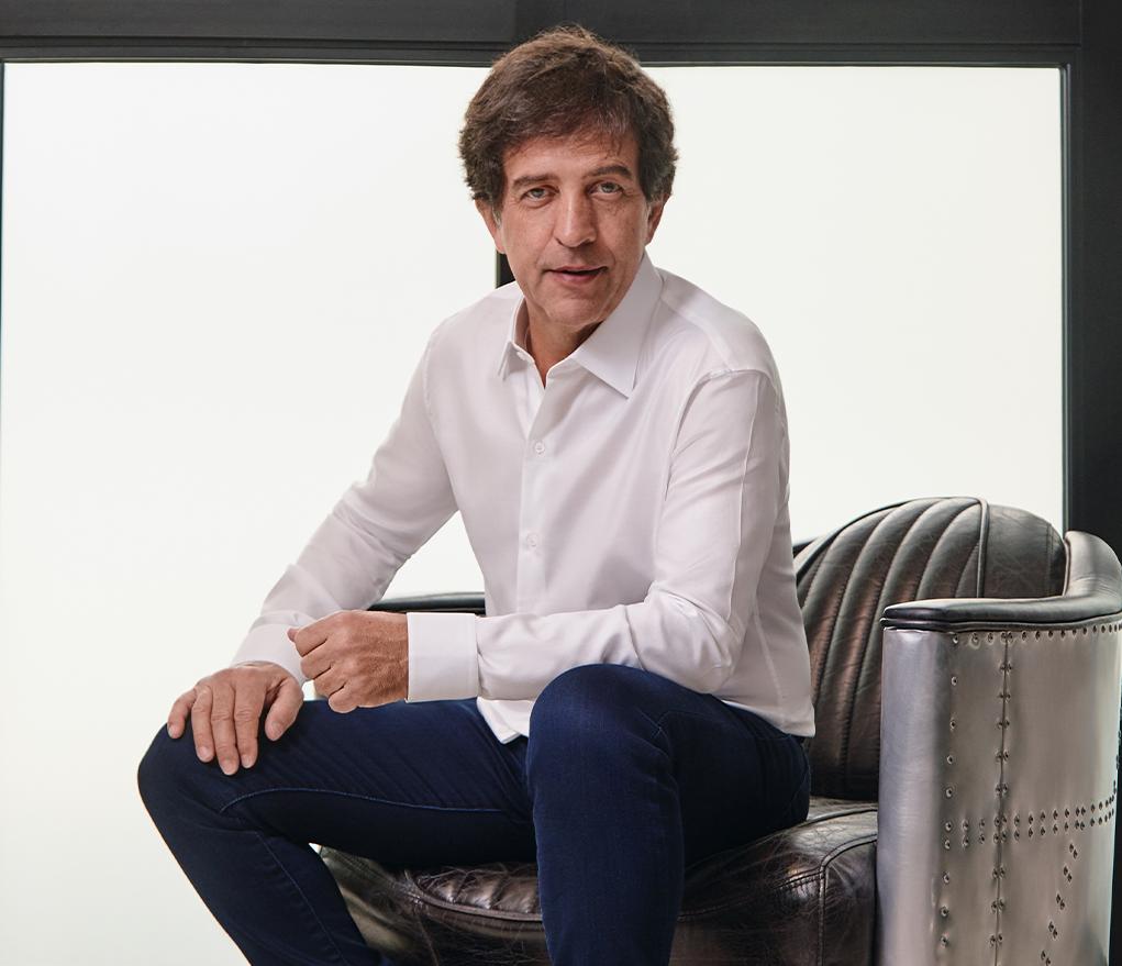 Em parceria com o Spotify, Ricardo Almeida promove campanha especial de Dia dos Namorados