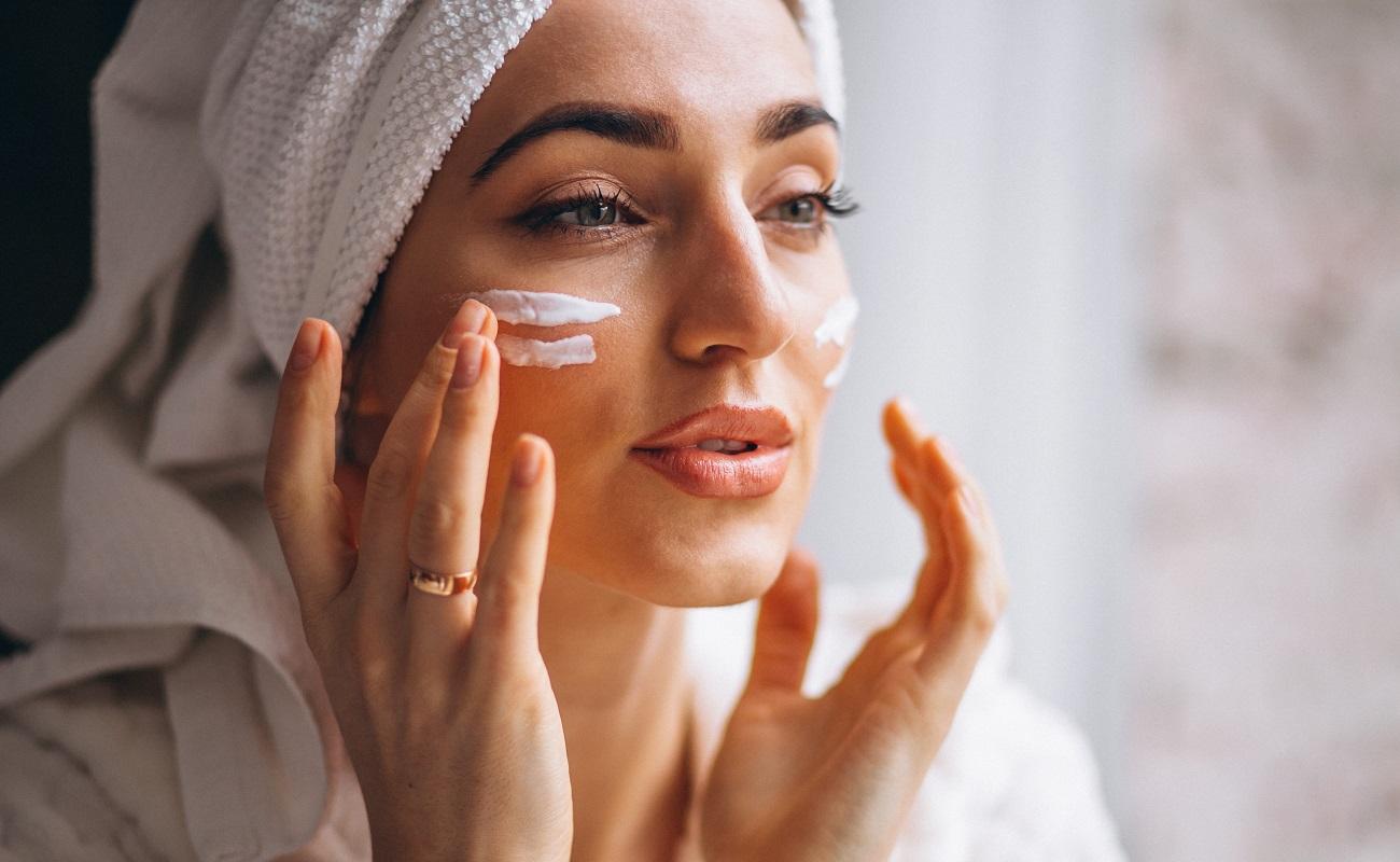 Confira os hábitos essenciais que contribuem para uma pele saudável