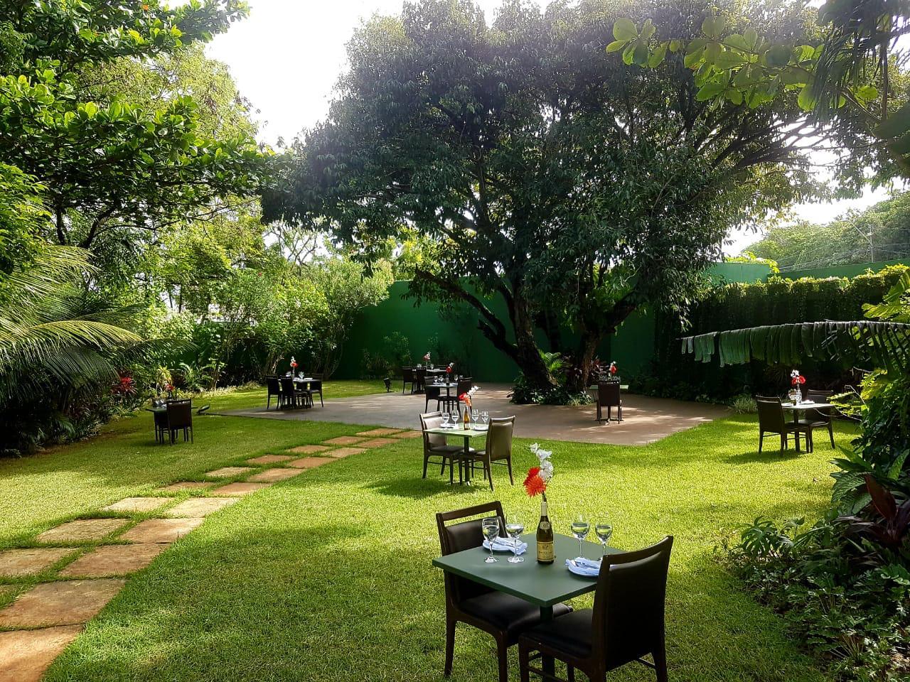 Restaurantes reabrem para o público em Fortaleza com uma série de mudanças. Confira!