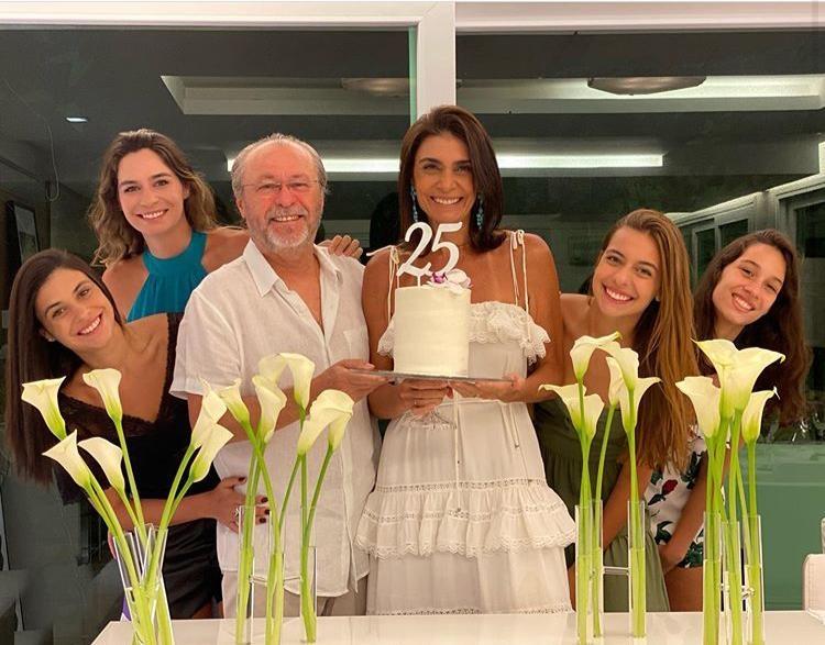 Rebecca e Candido Albuquerque festejam suas bodas de prata
