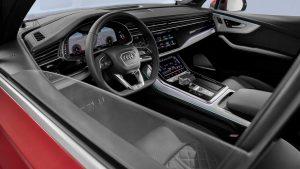 2020 Audi Q7 (1)