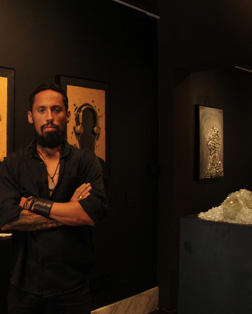 "Juca Máximo apresenta exposição solo ""Absence to Portrait Colors"""