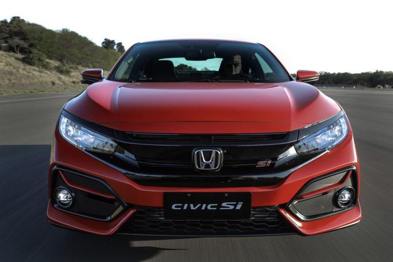 Honda Civic SI: não nega as origens