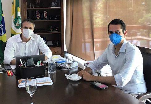 Camilo e Domingos Neto discutem ações de combate aos efeitos da pandemia