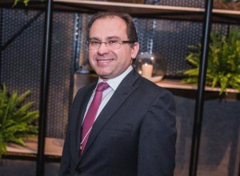 Carlos Matos apresenta propostas para Fortaleza durante a Live IN Connection