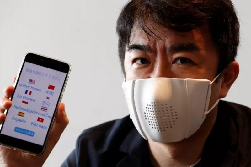 Startup japonesa cria mascara inteligente que fala nova idiomas. Vem saber!