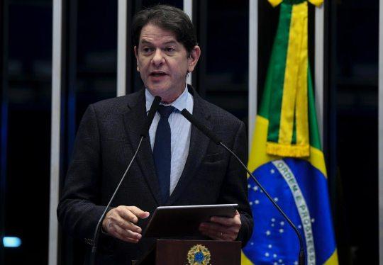 Cid Gomes eleito pela segunda vez um dos 100 parlamentares mais influentes