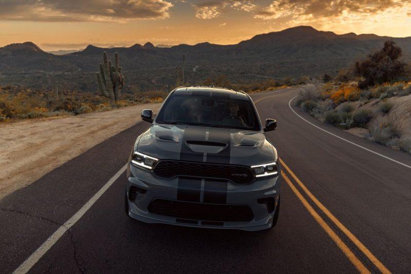 Nos EUA, Dodge apresenta o SUV mais poderoso da história: Durango SRT Hellcat