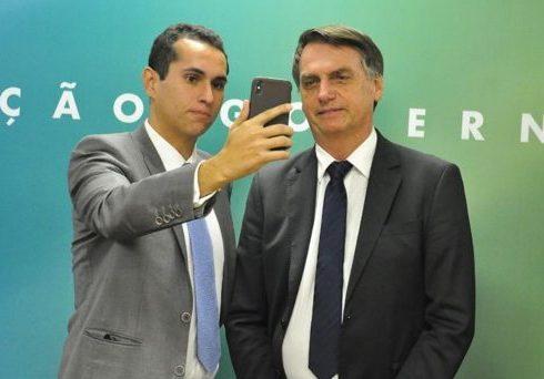 Domingos Neto conversa com Bolsonaro sobre obras estruturantes no Ceará