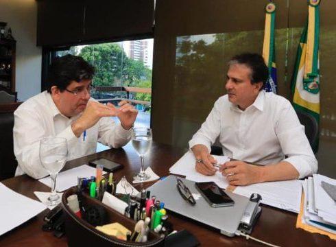Camilo anuncia criação da Fundação de Saúde e afirma que realizará concurso