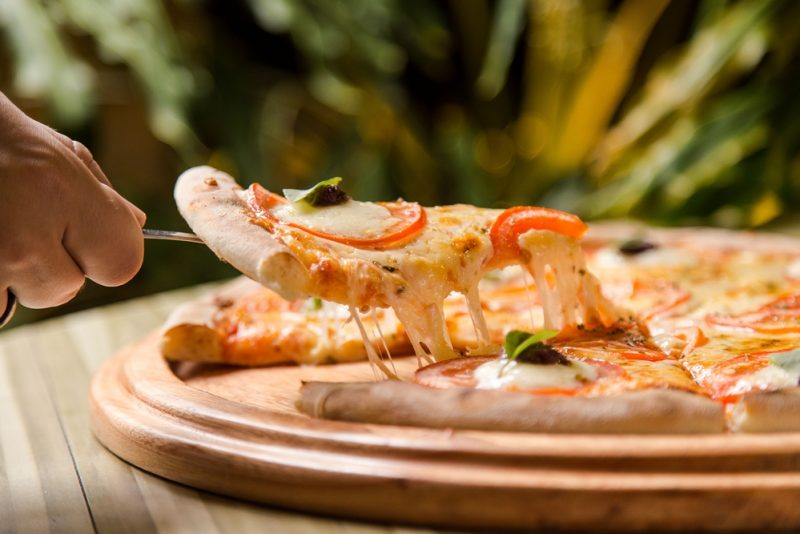 Pizza Lover's - Restaurante Geppos oferece combo especial com vinho para celebra o Dia Mundial da Pizza