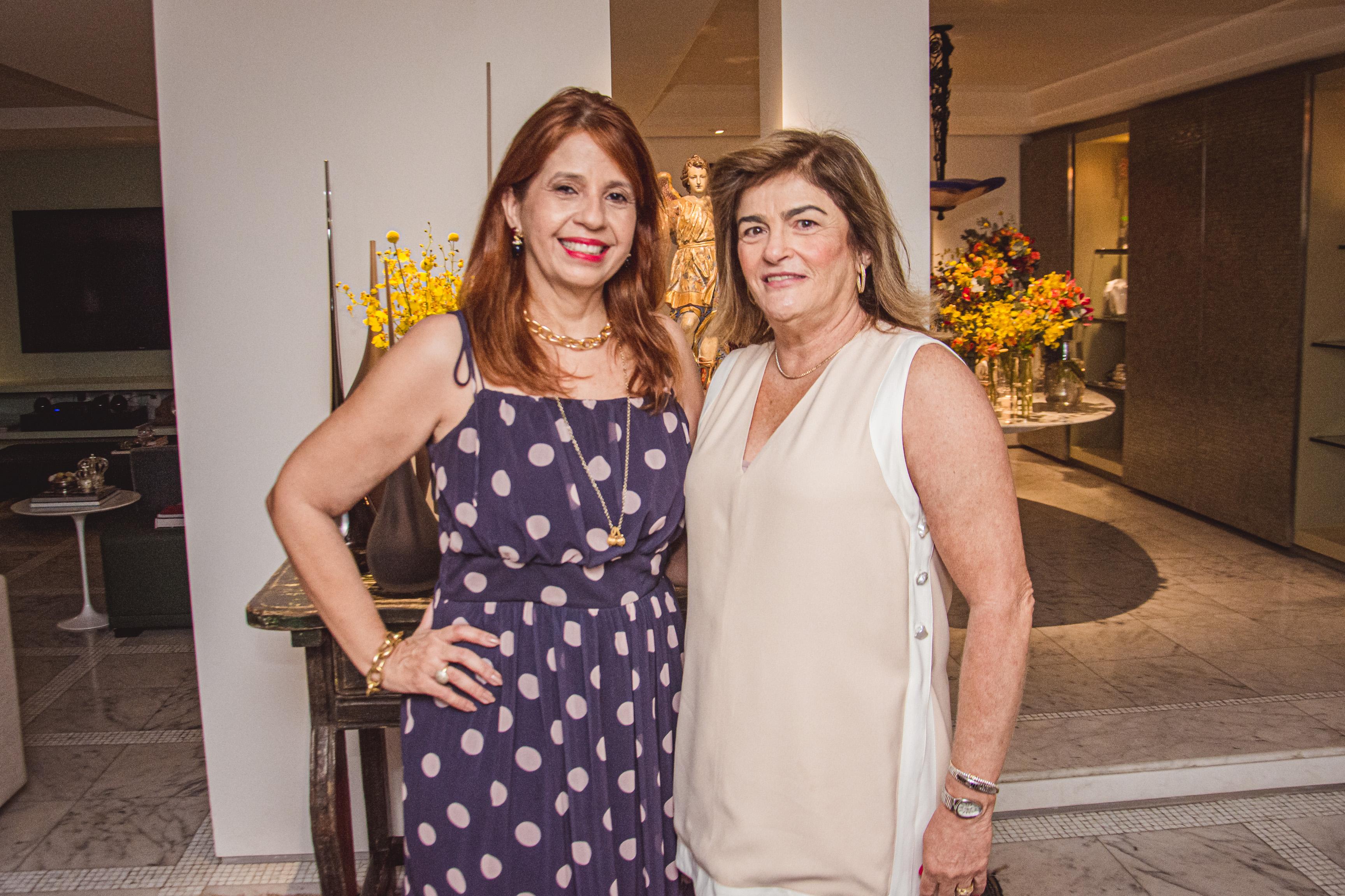 Giovana Adjafre E Carla Lima