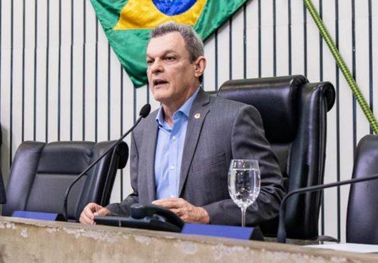 José Sarto diz que concurso deve ser em outubro e retoma sessões presenciais