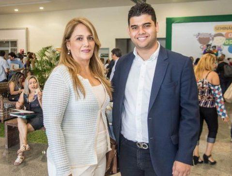 """Davi Benevides recebe prêmio nacional """"Prefeito Amigo da Criança"""", da Abrinq"""