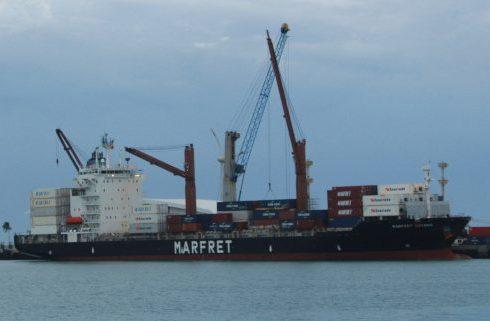 Porto de Fortaleza realiza operações em todos os seus berços de atracação