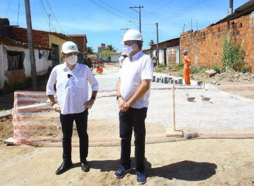 Roberto Cláudio e Antônio Henrique vistoriam obras do Programa Mais Ação
