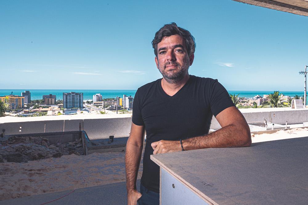 Sobral Gráfica assina impressão de livro sobre a trajetória profissional de Marcelo Franco