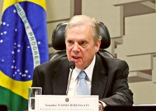 Tasso Jereissati cobra urgência para CPI da Covid após vinda de Bolsonaro ao Ceará