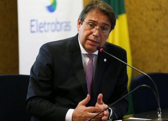 Presidente da Eletrobras defende a privatização e diz que contas de energia devem ter valores menores em um ano