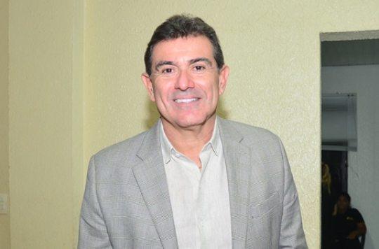 Alexandre Pereira elogiado por Ciro Gomes após debate de pré-candidatos