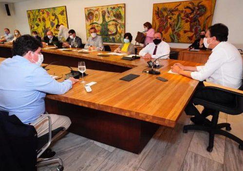 Camilo recebe ministro Pazuello e inaugura unidade de análise da Fiocruz