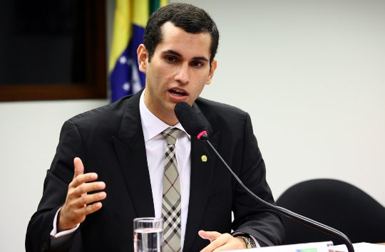 Domingos Neto participa do início de abastecimento do Cinturão das Águas