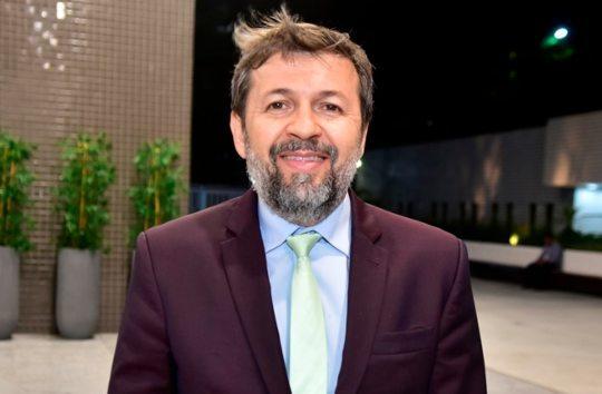 Élcio Batista diz que é possível equilibrar desenvolvimento e sustentabilidade