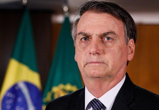 Bolsonaro sanciona projeto de lei que prevê ajuda ao setor de aviação civil
