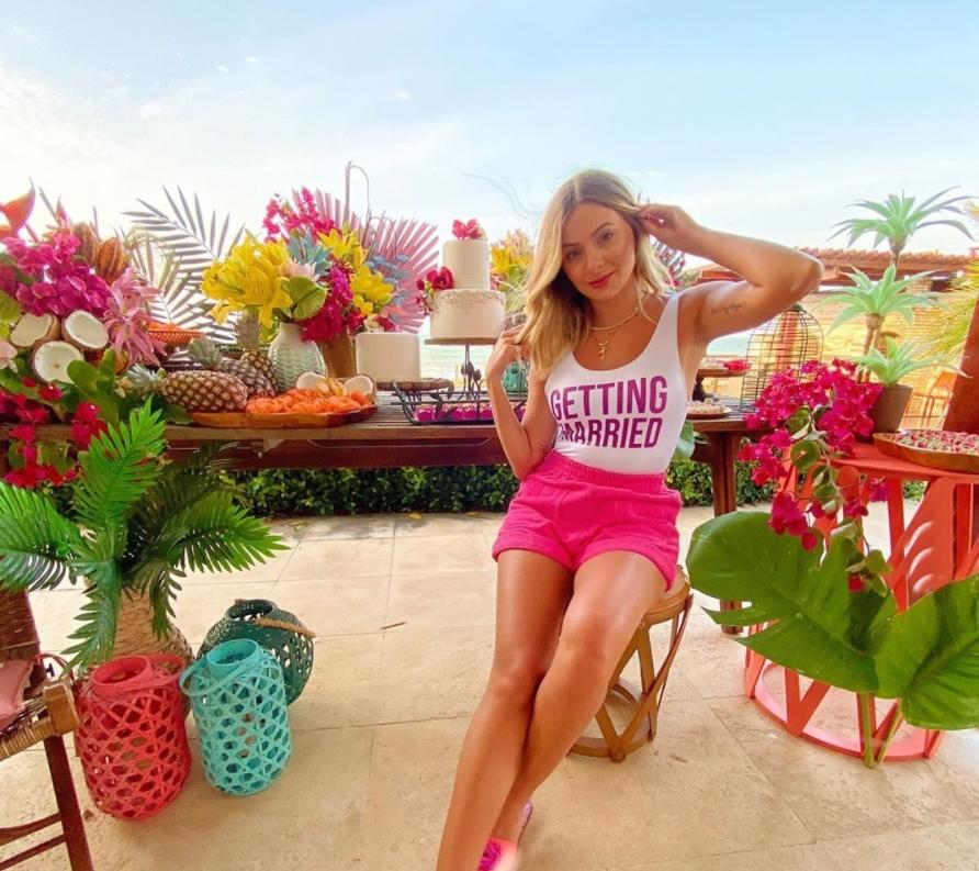 Bruna Massaglia ganha despedida de solteira articulada pelas amigas