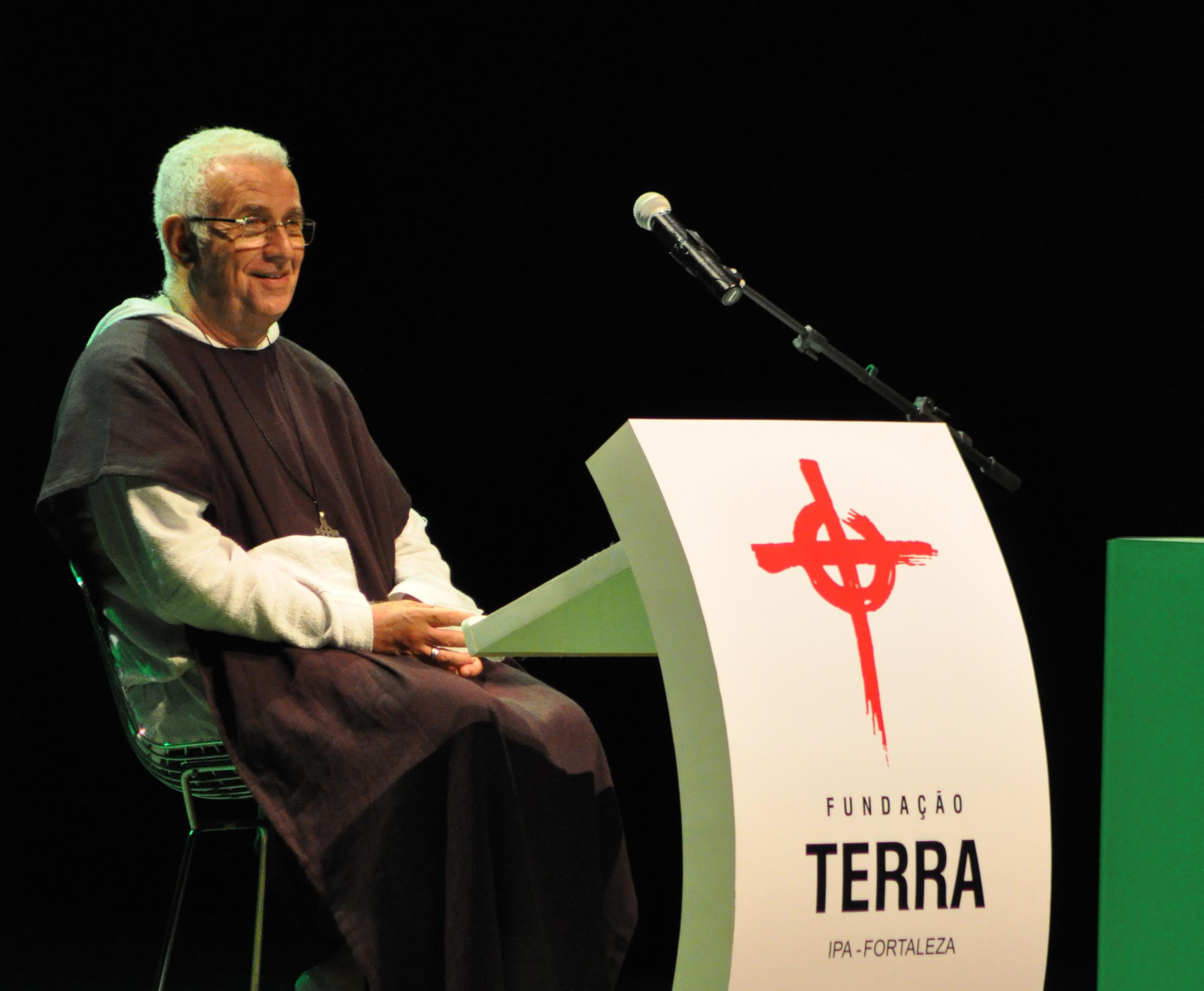 Padre Airton Freire promove live e retiro espiritual online em setembro