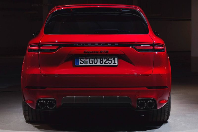 Novo Porsche Cayenne GTS fica mais potente e já tem data de lançamento