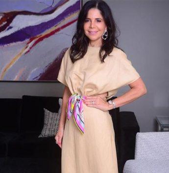 Maria Lúcia Negrão arma shooting em seu elegante endereço com nova coleção da Lenita