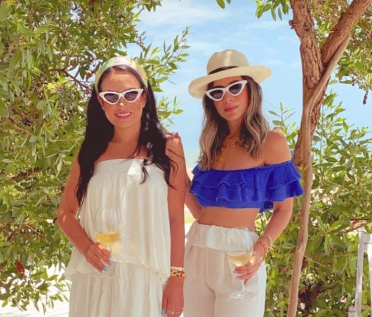Daniela de Paula e Mikaela Bottura armam um auê para o lançamento da nova coleção da Salt
