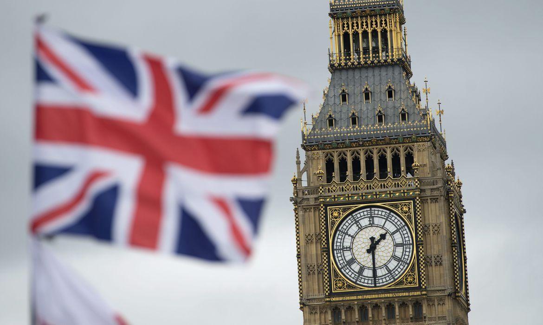 Para combater a segunda onda da pandemia Inglaterra fechará bares e restaurantes às 22h