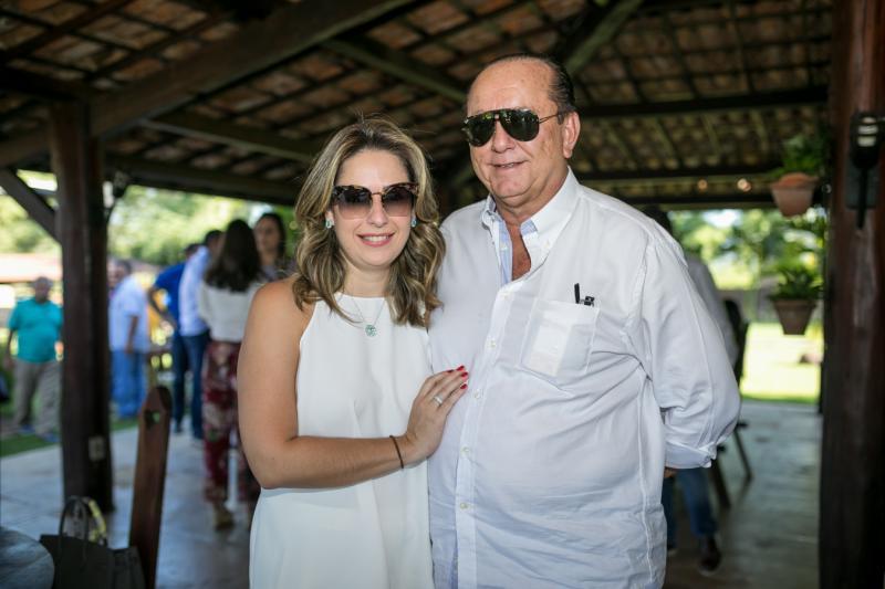 Aniversariante desta quinta-feira (3), Rafael Leal celebra a nova idade em sua fazenda em Canindé