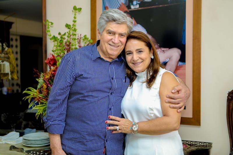 Amarílio e Patrícia Macêdo celebram seus 32 anos de casados