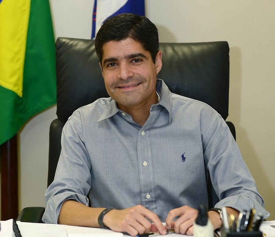 ACM Neto participará da estreia da série de lives do site Alô Alô Bahia