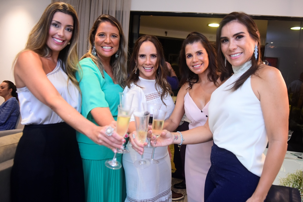 Adriana Cavalcante, Luciana Colares, Rivia Lima, Claudia Diniz E Ane Alcântara
