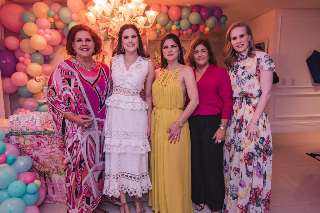 Ana Virginia Carneiro, Camile Quintão Carneiro, Marilia Quintão Vasconcelos, Carla Bezerra Lima E Lia Lousada