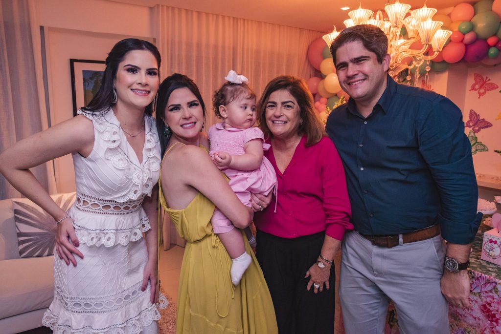 Camile Quintão Carneiro, Marilia Quintão Vasconcelos, Celine Quintão Carneiro, Carla Bezerra Lima E Anderson Quintão