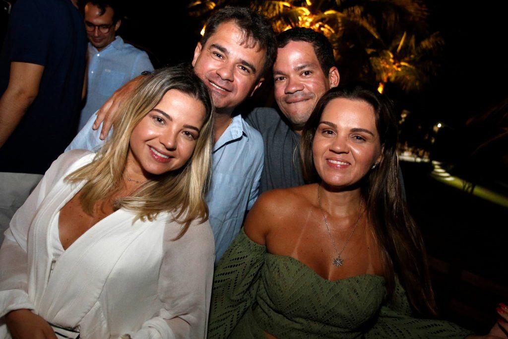 Carol E Luide Almeida, Caca E Katarine Queiros