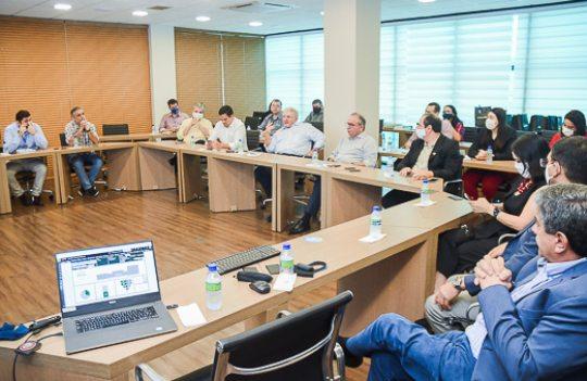 Ricardo Cavalcante recebe Deusmar Queirós no Observatório da Indústria